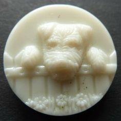 vintage scottie dog button Cool Buttons, Vintage Buttons, Button Art, Button Crafts, Vintage Sewing Notions, Sewing Accessories, Scottie Dog, Sewing A Button, Buttonholes