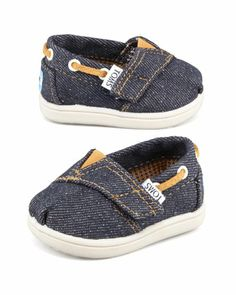 Oh my gosh - these are the cutest little TOMS in denim http://rstyle.me/~27qI3