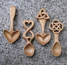 Celtic Knots and Welsh Spoons Wooden Spoon Carving, Carved Spoons, Wood Spoon, Wooden Crosses, Wooden Art, Wooden Crafts, Celtic Heart Knot, Celtic Knots, Welsh Love Spoons