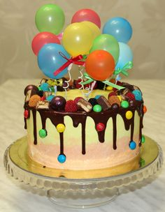 Choc drip with m and ms Candy Cakes, Cupcake Cakes, Cupcake Ideas, Beaux Desserts, Bolo Cake, Balloon Cake, Drip Cakes, Occasion Cakes, Food Cakes