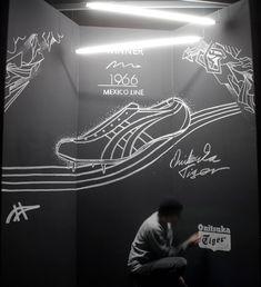 Kreidewandgestaltung zur Berlin Fashion week in Berlin für ONITSUKA TIGER. #oldyellowberlin #onitsukatiger #kunsthalleplatoon #chalkboard #berlinfashionweek #mexico66 #50yearsoftigerstripes