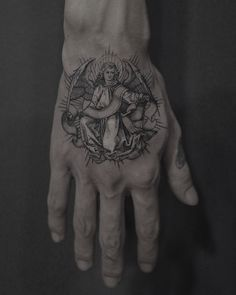 tattoo by America. Nora informed a Tale that she gained loads of her tattoos Leg Tattoos, Body Art Tattoos, Small Tattoos, Sleeve Tattoos, Tatoos, Hand Tattoos For Guys, Tattoos For Women, Tatuagem Icarus, Historical Tattoos