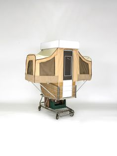 push power - Camper Kart: a pop-up camper by Kevin Cyr constructed out of a shopping cart investigates habitats, recycling and mobility.