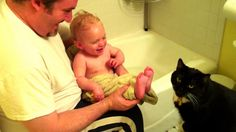 Котик и малыш/kid and cat