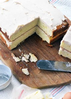 Old Fashioned Butter Cake with browned butter buttercream. An easy classic cake and frosting recipe. Frosting Recipes, Cake Recipes, Dessert Recipes, Cake Supplies, Baking Supplies, Homemade Butter, Homemade Cakes, Just Desserts, Delicious Desserts