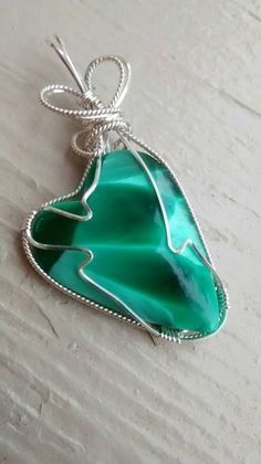 Check out this item in my Etsy shop https://www.etsy.com/listing/509641895/victoria-stone-green-heart-pendant