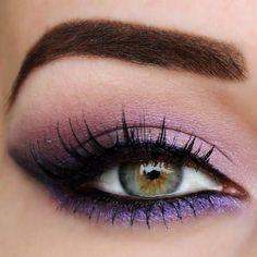 Purple eyes make-up for green eyes - Lifestyle - Eye Make up Hazel Eye Makeup, Purple Eye Makeup, Makeup Eye Looks, Eye Makeup Tips, Skin Makeup, Eyeshadow Makeup, Makeup Looks For Green Eyes, Makeup Hacks, Eyeshadows