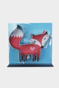Stainless steel fox cookie cutter in presentation box. Cutter depth: 1 inch.