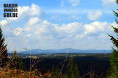Die neue Stempelstelle 47 der Harzer Wandernadel: Oberharzblick am Buchenberg mit Ausblick auf Benneckstein, Brocken (Mitte) und Wurmberg (links).  #harz #harzbilder #wandernadel #harzerwandernadel #oberharzblick #buchenberg #stempelstelle #brocken #wurmberg #benneckenstein