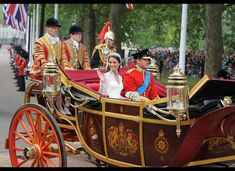 Happy fifth anniversary, Will and Kate!   -     Magical Photos Of Will And Kate's Royal Wedding You Haven't Seen A Million Times