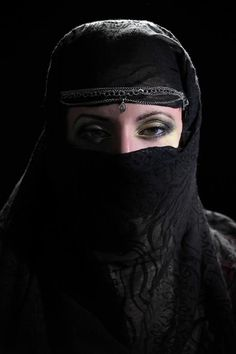Trucco arabo in oro by Mary Samele Make Up