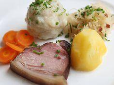 Rezept für gekochtes Geselchtes mit Mehlknödeln Sauerkraut, Eggs, Breakfast, Food, Fine Dining, Drinking, World, Cooking, Essen