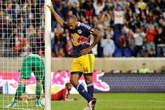 New York Redbull Football Celebrations, Thierry Henry, Basketball Court, Soccer, Fb Page, Champions League, Football Players, World Cup, Celebrities