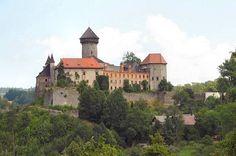 Sovinec - ano, je to díra, ale pro mě to znamená placenou dovolenou. Europe Photos, Old City, Czech Republic, Prague, Castle, House Styles, Nature, Travel, Beautiful
