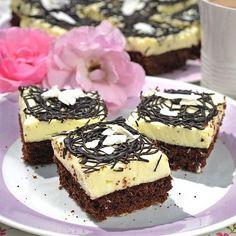 Dvoubarevné koláče: Nebojte se jich, jsou snadné na přípravu a hlavně vynikající! | Kafe.cz Baking Recipes, Dessert Recipes, Czech Recipes, Pavlova, Tiramisu, Sweet Tooth, Cheesecake, Food And Drink, Sweets