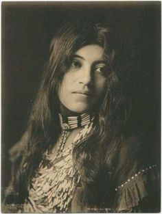 Portrait of Kaw-u-tz, a young Cado woman. Photograph by George Bancroft Cornish, Source: Southern Methodist University, Central University Libraries, DeGolyer Library
