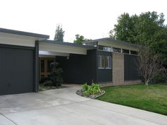 Eichler Home, Sacramento. Photo: Gretchen Steinberg (atomicpear).