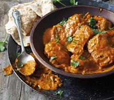 Gloomy weather calls for warming food, here are six curry recipes every spice lover should try. There's a curry for everyone on this list! Lchf, Masala Spice, Banting Recipes, Curry Dishes, Chicken Tikka Masala, Warm Food, Curry Recipes, No Cook Meals, Tandoori Chicken