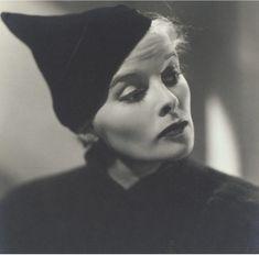 Katherine Hepburn wearing Elsa Schiaparelli's Mad Cap Found on Chapeaux a la…