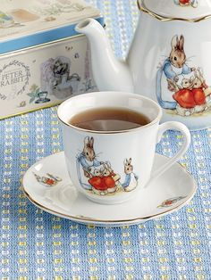 Beatrix Potter, Tea Sets Vintage, Shabby Vintage, Vintage Teacups, Vintage Party, Tea Cup Set, Tea Cup Saucer, Peter Rabbit, French Tea