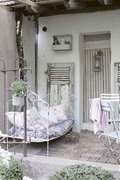 rustic white patio, Jeanne d' Arc Living magazine