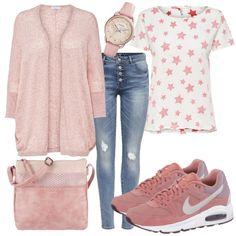 Dieser niedliche Freizeit Look für Damen besteht aus einer Feinstrickjacke, einem Sternen T-Shirt und einer Destroyed Jeanshose. Dazu wird eine Tamaris Handtasche, eine Fossil Armbanduhr sowie super schöne Nike Sneaker kombiniert.