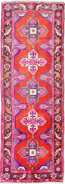 3 Red Hamedan Persian Rugs This Antique Authentic Persian Hamedan rug is Hand Knotted of Natural Wool & has 100 knots per square inch. Tapis Rose Pale, Deco Rose, Ideas Hogar, Textiles, Magic Carpet, Aztec Rug, Persian Rug, Home Fashion, Floor Rugs