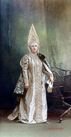 https://flic.kr/p/D7otSv | La Comtesse Keller, née Princesse Schakhovskoy (Femme de boyard du XVII siècle) | Графиня Марiя Александровна Келлеръ, рожд. Княжна Шаховская (Боярыня XVII вѣка)