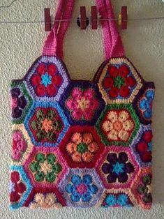 Crochet African Flowers, Crochet Flowers, Crochet Handbags, Crochet Purses, Crochet Bags, Cute Crochet, Knit Crochet, Granny Square Bag, Crochet Square Patterns