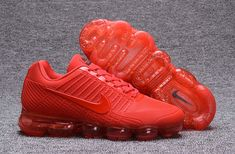 The Nike VaporMax is a new running shoe from Nike. It features a brand new Air Max sole and a Flyknit upper. Nike calls it the lightest Air Max sneaker ever made. Mens Nike Air, Nike Air Vapormax, Nike Free Shoes, Nike Shoes, Asics Shoes, Air Max Sneakers, Sneakers Nike, Red Trainers, Nike Free Runners