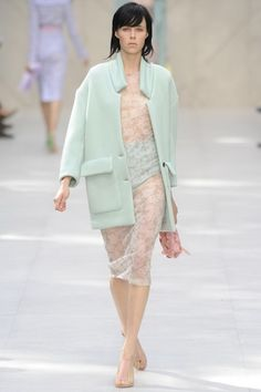 The-Burberry-Prorsum-Spring-2014-RTW-Collection-Soft-Floral-and-Exquisite_07