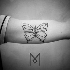 One Continuous Line Tattoos By Iranian-German Artist Mo Ganji Detailliertes Tattoo, Form Tattoo, One Line Tattoo, Line Art Tattoos, Shape Tattoo, Tattoo Motive, Color Tattoo, Monarch Butterfly Tattoo, Butterfly Tattoo Cover Up