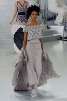 Find the Chanel Couture Spring 2014 – Slideshow – Runway, Fashion Week, Fashion Shows, Re…: at The RealReal is the. Chanel Couture, Style Haute Couture, Spring Couture, Live Fashion, Fashion Week, Runway Fashion, Trendy Fashion, Fashion Show, Womens Fashion