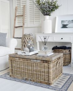 The Seaside coffee table is a grey willow trunk with a lid The Seaside chest table makes a perfect coffee table for all modern and traditional living rooms and offers a large amount of storage space Cottage Living Rooms, Coastal Living Rooms, Home Living Room, Living Room Decor, Living Room Country, Coastal Cottage, Coastal Style, Seaside Decor, Beach House Decor