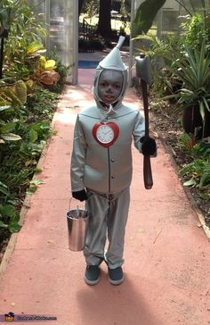 Wizard of Oz's Tin Man - Halloween Costume Contest via @costumeworks