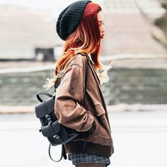 Sideview from the latest outfit post on le-happy.com. So much love for this baby backpack 💗