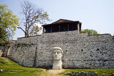Modern sculpture in Kalasa Citadel ruins.( I have a photo by this too)