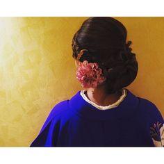 【cotarros】さんのInstagramをピンしています。 《ここぞって時はやっぱり着物  友人のコサージュがとっても素敵  気をつけたけど、 でもやっぱり極道の妻のように貫禄あるとまわりからいわれた😞  #幼なじみ#結婚式#ウェディング#星野リゾート#長野#山梨#八ヶ岳#森#自然#二泊三日#ガーデニングパーティー#着物#髪飾り#新郎にヤクザ顔だと言われる泣#でもアンティーク着物はお気に入り #friend#marry#wedding#kimono#resort #japan#nagano#yamanashi#happy#natural#woods#gardeningparty#kimono#clothes#hair ornaments》