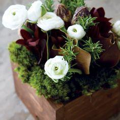 lots of great floral arrangements & inspiration