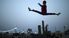 Sorpréndete con las habilidades del niño araña de Gaza