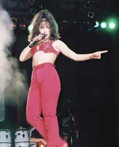 Selena Quintanilla Perez, Rihanna, Beyonce, I Miss Her, Aesthetic Vintage, 2000s, Ariana Grande, My Idol, Vintage Photos