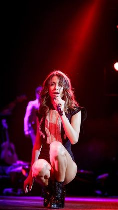 •Martina Stoessel• Celebrity Couples, Celebrity Weddings, Celebrity News, Got Me Started Tour, Luke Benward, Disney Channel Shows, 19 Kids And Counting, Star Wars, Disney Stars