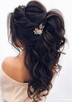 DIY Ponytail Ideas You're Totally Going to Want to Frisuren, Formal Ponytail Hairstyle; Wedding Hairstyles For Women, Wedding Hairstyles Half Up Half Down, Daily Hairstyles, Unique Hairstyles, Hairstyle Wedding, Bridesmaids Hairstyles, Hairstyle Ideas, Bride Hairstyles Down, Romantic Wedding Hairstyles