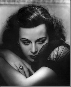 George Hurrell Glamour | In the early 1920's, Hurrell studied fine art painting at the Chicago ...