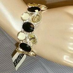 Napier multi color bracelet Beautiful Napier multi color bracelet! Perfect for any occasion and outfit.  Stretchy and comfortable to wear. Great quality! Napier  Jewelry Bracelets