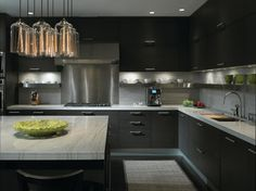Dark Contemporary Kitchen by Gary Lee - For an upscale bachelor pad, charcoal gray kitchen cabinets may be just the ticket. Kitchen Inspirations, Black Kitchens, Kitchen Remodel, Kitchen Decor, Modern Kitchen, Contemporary Kitchen, New Kitchen, Kitchen Dining, Home Kitchens