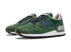 best service e0984 b6bdb FASHION. Comfortable SneakersPumped Up KicksGreen New BalanceNavy ...