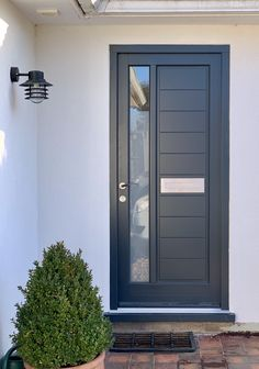 Timber Door Contemporary Design Stainless Steel Door Furniture images ideas from Home Inteior Ideas Modern Exterior Doors, Contemporary Front Doors, External Doors, House Entrance, Window Design, Door Gate Design, Front Porch Design, Timber Door, House Front