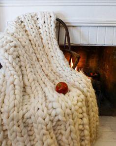 diy decoration dessus de lit en laine à créer ou acheter Chunky Wool Blankets to Buy or DIY | Apartment Therapy