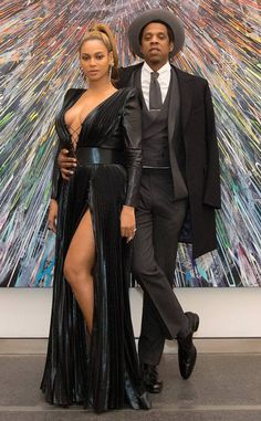 Beyonce & Jay-Z from Grammys 2018 Pre-Party Pics The duo turns heads at the Roc Nation brunch on Saturday night before the Grammys. Black Celebrity Couples, Black Love Couples, Celebrity Dresses, Celebrity Guys, Beyonce Knowles Carter, Beyonce And Jay Z, 4 Beyonce, Couple Photoshoot Poses, Couple Photography Poses